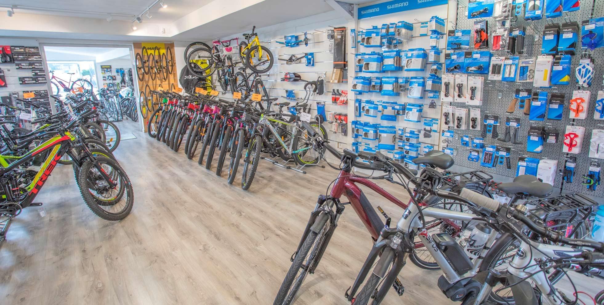 Interior de la tienda de bicicletas
